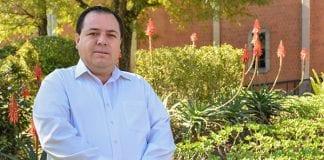 Egresado UDLAP destaca en cámara empresarial