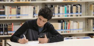 Inculcando títulos y principios en la adolescencia