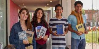 Mesa Directiva de Teatro dona libros en pro del lucro de la formación teatral de la UDLAP