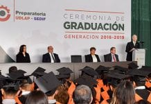 76 jóvenes se gradúan de la preparatoria UDLAP-SEDIF
