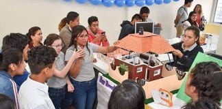Estudiantes de la preparatoria UDLAP-SEDIF montan exposición de proyectos sobre Diseño Claro y Mecatrónica