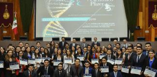 Premio Pfizer para egresada UDLAP