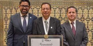 Presea Luis Rivera Terrazas para docente de la UDLAP