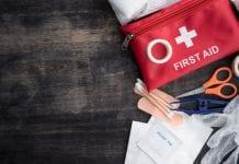 ¿Qué debe contener un casa de socorro de emergencias médico-dentales?